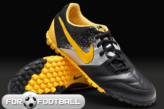 a7a74b18 Forfootball - Футбольная обувь (сороконожки) - Nike 5 Bomba (детские)